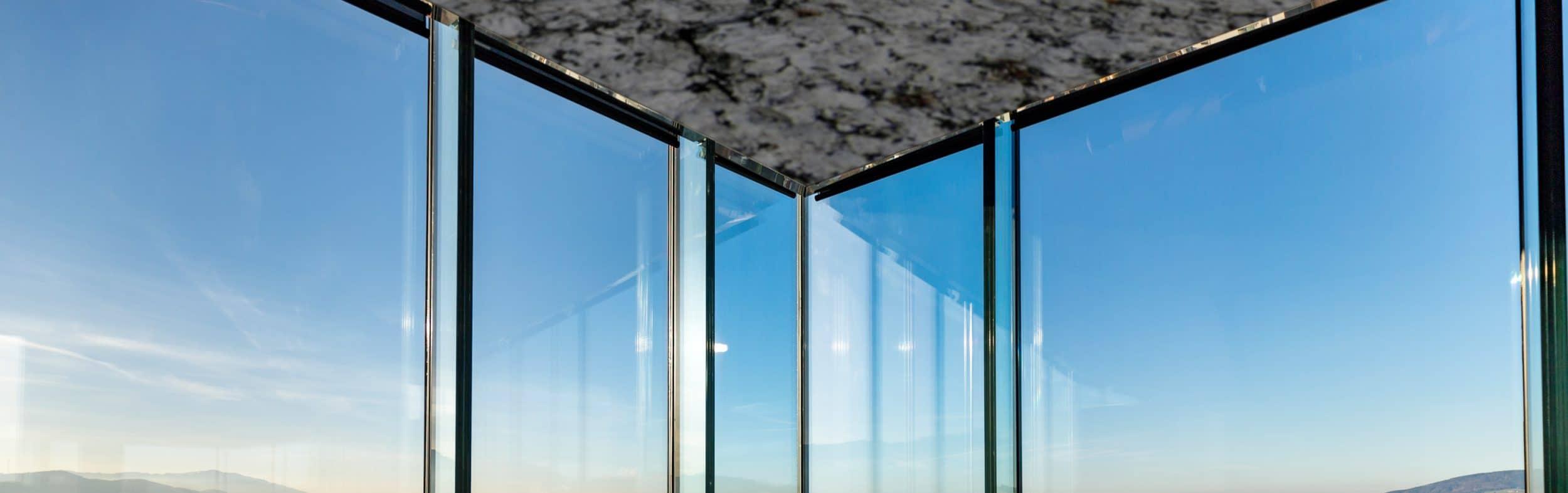 Begleitheizung: Glasecke mit T-STRIPE Fensterheizung