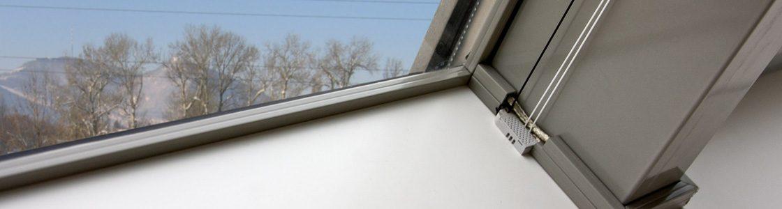 Mit T-STRIPE entsteht auch an Dachflächenfenstern nie mehr Schwitzwasser!