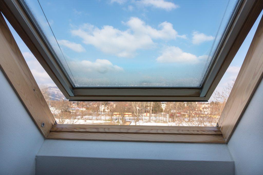 Fensterheizung-T-STRIPE verhindert-Kondenswasser - richtig lüften